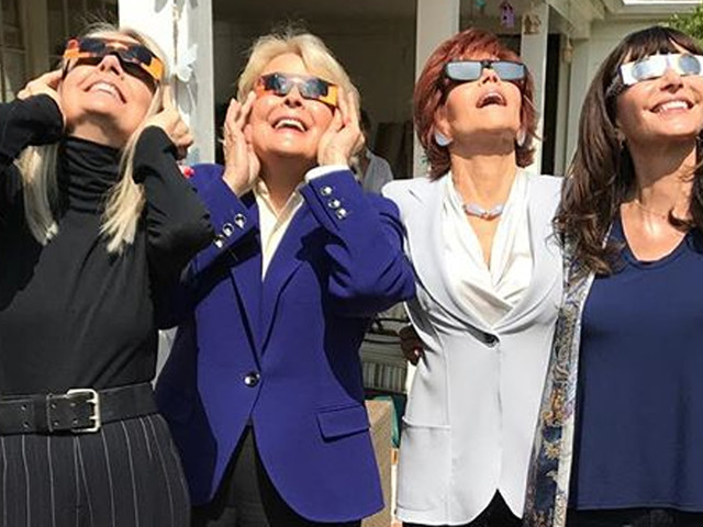 Diane Keaton & 'Book Club' Cast Have an Eclipse Viewing Party!