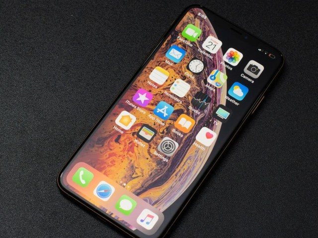 Here's How Much You'll Save With an Apple-Refurbished iPhone XS