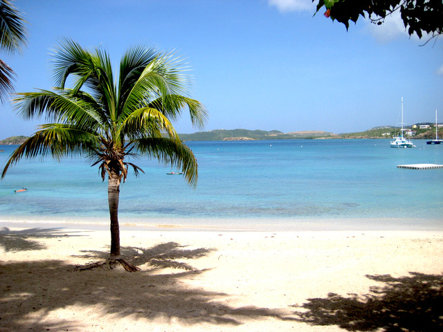 Is it possible to save on Caribbean vacation packages?