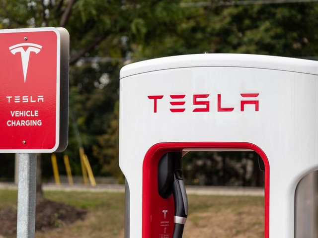 Get Busy Logging, German Court Tells Tesla