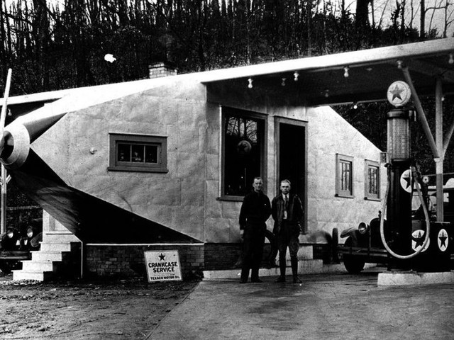 Four-Links – Nickle filling station, Penn-Irwin Motel, Keating on Route 66, Baby on Board