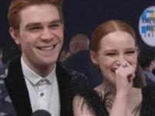 "KJ Apa & Madelaine Petsch Take ""Riverdale"" to the 2017 AMAs"