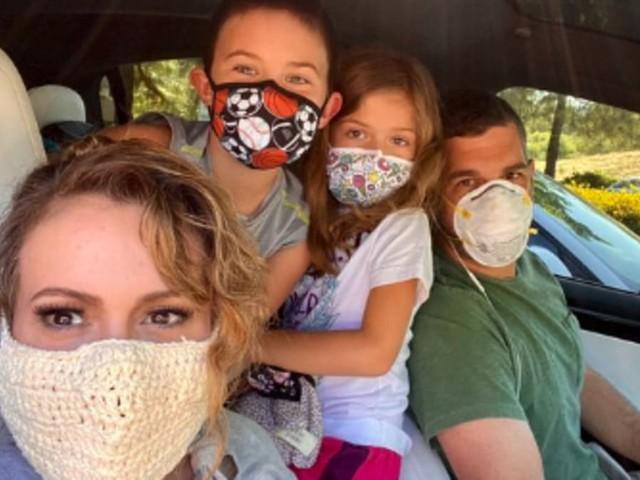 Alyssa Milano defends wearing a 'totally safe' crochet mask following backlash