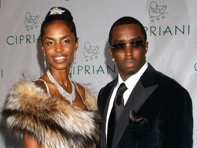 """Kim Porter Mourned In Private """"Homegoing"""" Memorial"""