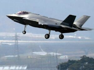 Turkey calls on US to reverse decision on F-35 exclusion