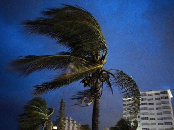 """""""Please, Somebody Help Us!"""": Eye Of Slow-Moving Dorian Reaches Grand Bahama; Storm Recorded Gusts As High As 220 MPH"""