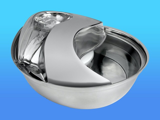 A low-maintenance stainless steel pet water fountain that you don't have to worry about