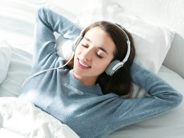 Side Effects Of Using Earphones For Prolonged Hours Everyday