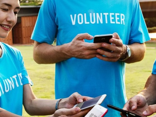10 Best Websites to Find Volunteer Work That's Right for You