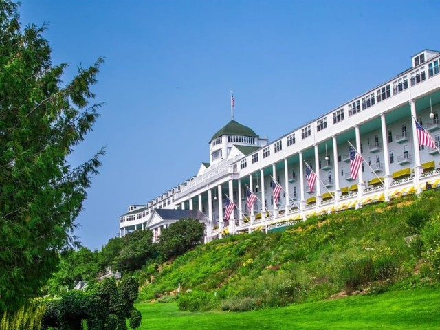 Take a look inside the historic Mackinac Island hotel where Mike Pence gave a speech this weekend — and then stirred outrage with his 8-car motorcade