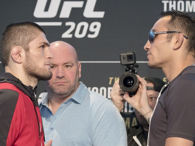 Cormier: Khabib vs Ferguson was offered for UFC 219, but Tony hasn't accepted