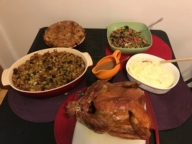 Lauren's List: Tips For Saving Money On Your Thanksgiving Day Meal