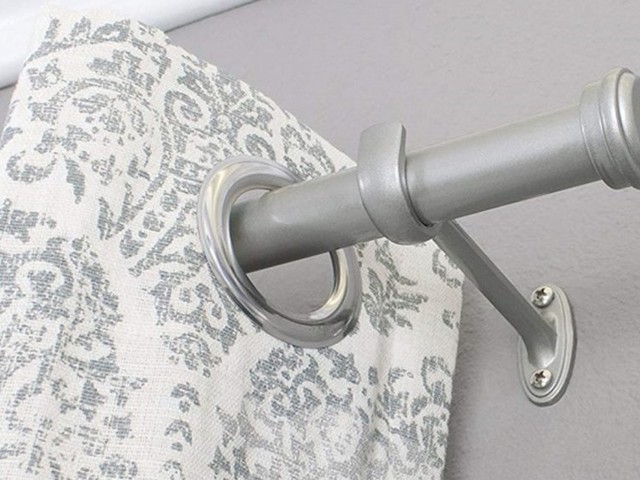 How to hang curtains, and all the tools you need to do it