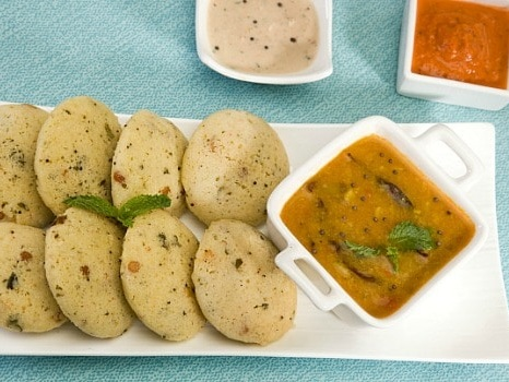 Have This Protein-Rich Moong Dal Idli For Breakfast If You Are On A Weight Loss Diet