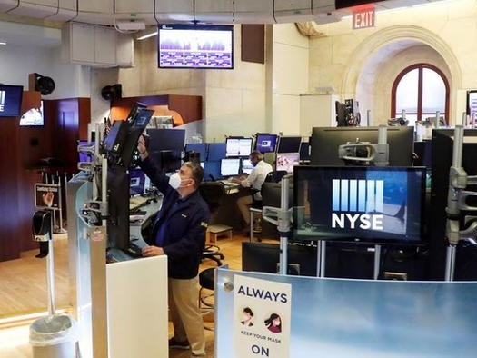 Futures Extend Slide, European Markets Drop On Growth, Tapering Fears