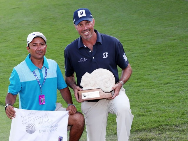 Matt Kuchar stiffing his caddie was horrible. His response to the backlash is worse.