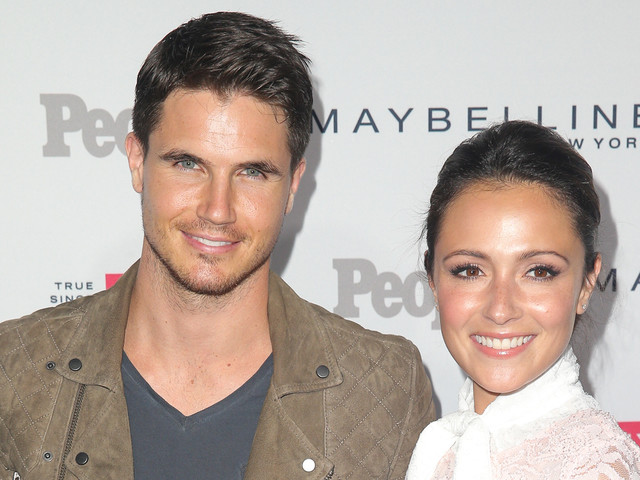 Robbie Amell & Italia Ricci Are Officially United States Citizens