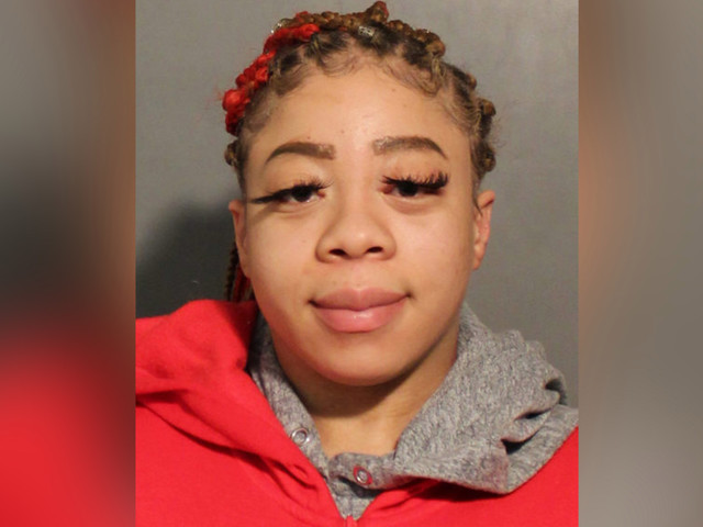 Long Island woman threatens to stab TGI Fridays worker over endless apps