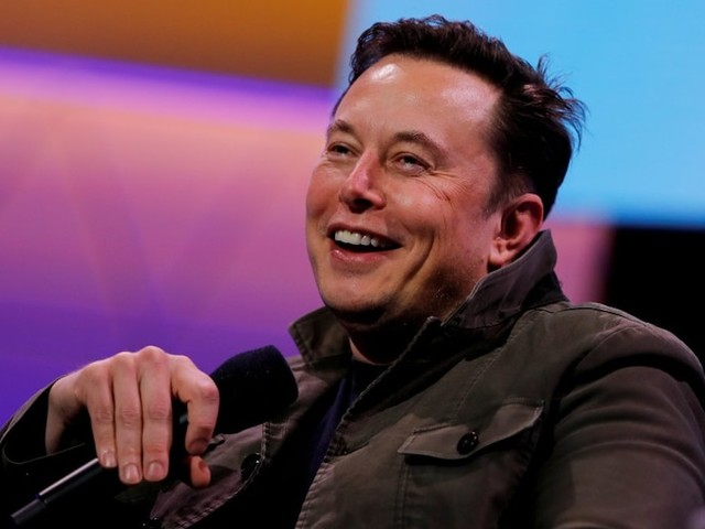 Tesla cracks $500 for the first time after the new most bullish analyst on Wall Street says the stock will surge 28% this year (TSLA)
