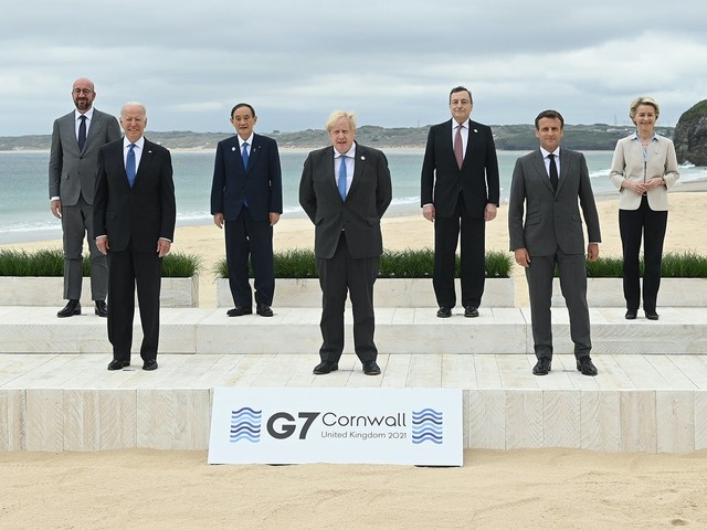 G7 summit group photo inspires a thousand memes