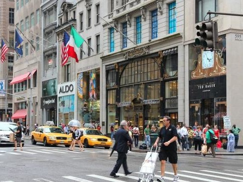 Manhattan's Retail Industry Is Imploding Before The Holiday Season