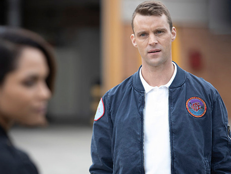 'Chicago Fire' Boss: Dawson's Return Will Cause A 'Whirlwind Of Emotions' For Casey & More Scoop