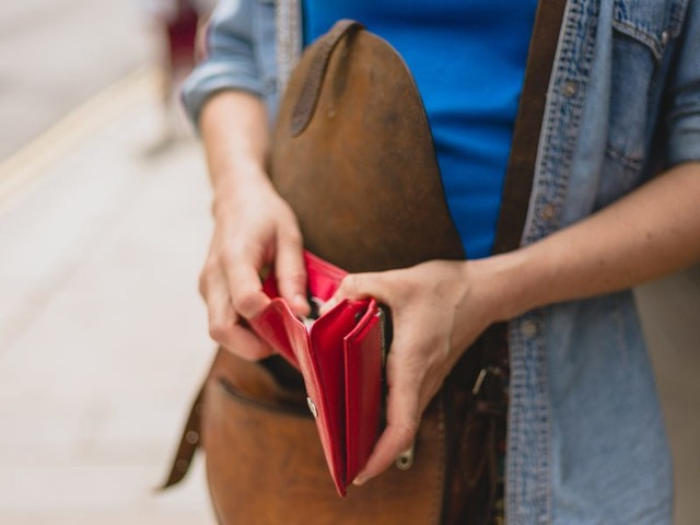 You can apply the 'cash envelope' system to credit cards to stay on budget without sacrificing rewards —you just need some discipline.