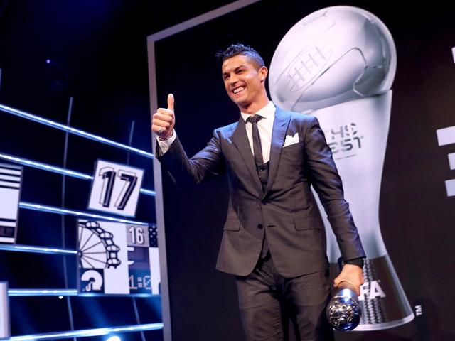 Cristiano Ronaldo wins 2017 FIFA best male player award over Lionel Messi
