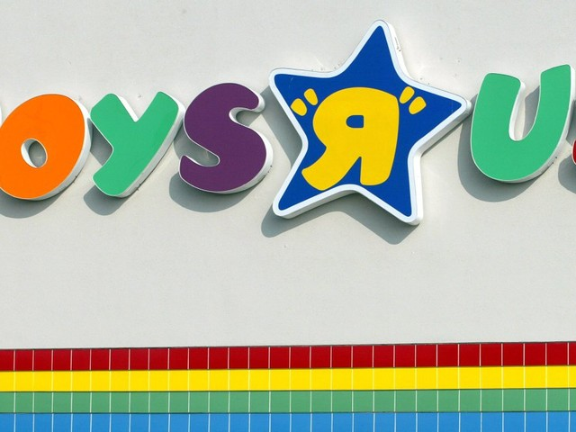 Bankrupt Toys 'R' Us Wins OK to Pay $16 Million in Bonuses to Top Executives