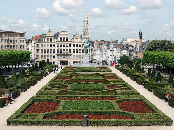 Delta – $544 (Regular Economy) / $364 (Basic Economy): San Francisco – Brussels, Belgium. Roundtrip, including all Taxes