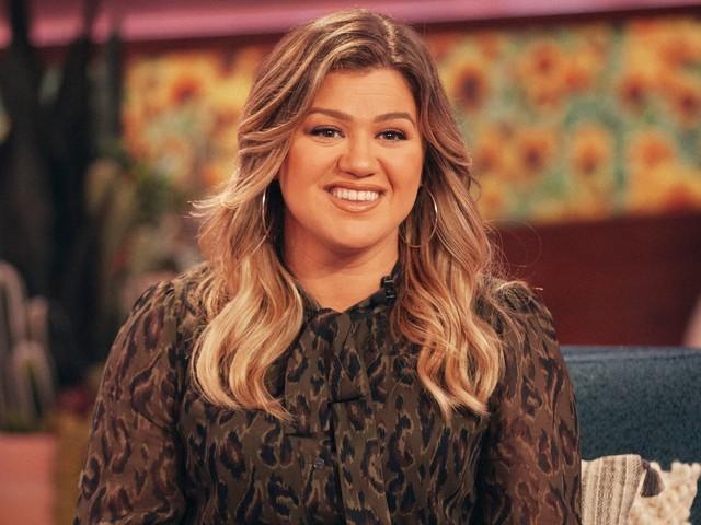 Kelly Clarkson Says She Has 'Written Like 60 Songs' Amid Divorce
