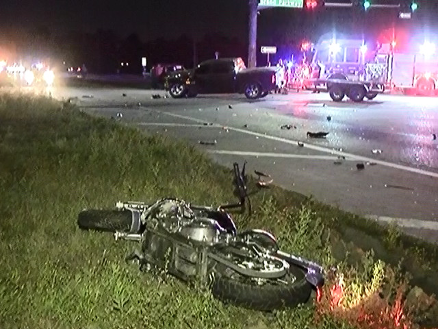 Motorcyclist loses leg in crash near The Woodlands