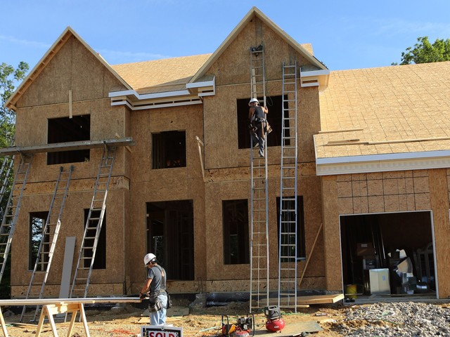 Experts are throwing cold water on a 'housing collapse' (ITB)