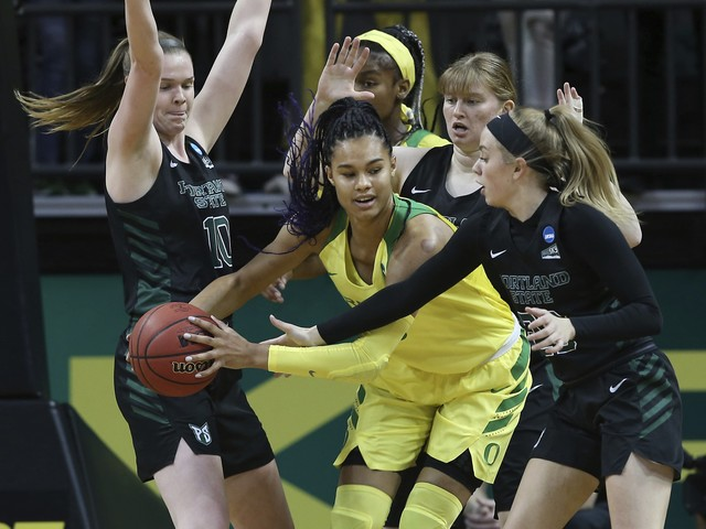 Oregon women cruise 78-40 over Portland St to open NCAAs