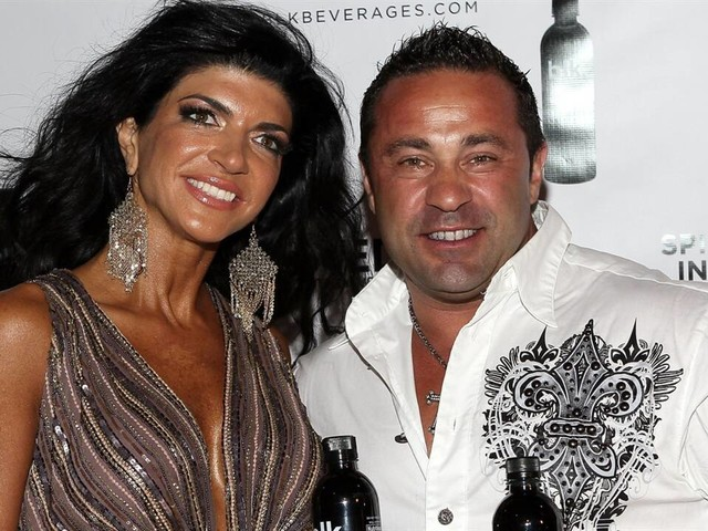 "Teresa Giudice's Husband Didn't Want to Marry Her in ""RHONJ"" Tra"