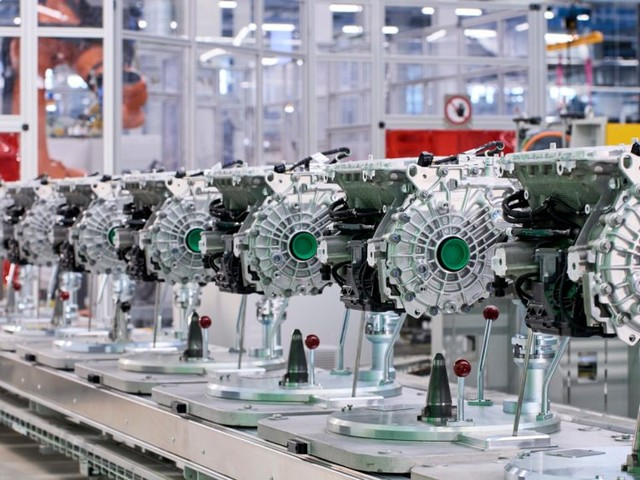E-Drive Train Production for the Fully-Electric Models BMW iX & BMW i4 Begins