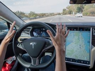 Tesla Autopilot was engaged before 2018 California crash, NTSB finds