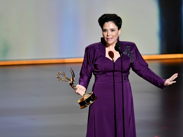 Alex Borstein's powerful Emmys speech grabs attention: 'Step out of line, ladies'