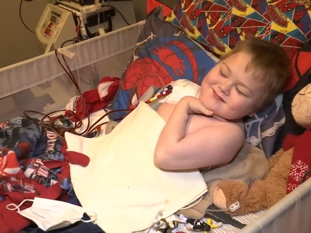 'I can't let this end any other way than life': Fayetteville 8-year-old boy running out of time for kidney match