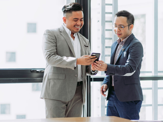 How to use job titles to prospect and make connections