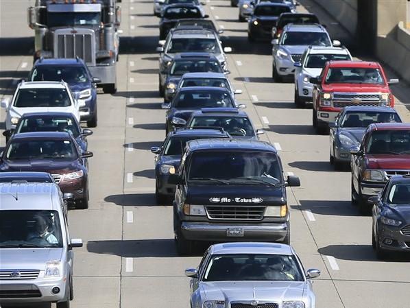 Lessenberry: Michigan auto-insurance reform a lemon