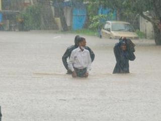 Landslides, monsoon flooding kill over 100 in western India