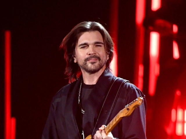 Juanes Brings the House Down With Electric Performance of His Hits at 2019 Latin GRAMMY Awards