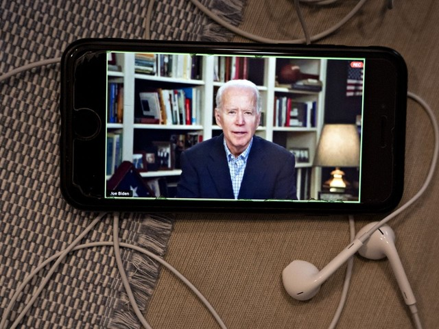 Campaigning in the age of pandemic: Biden and Sanders as amateur video hosts