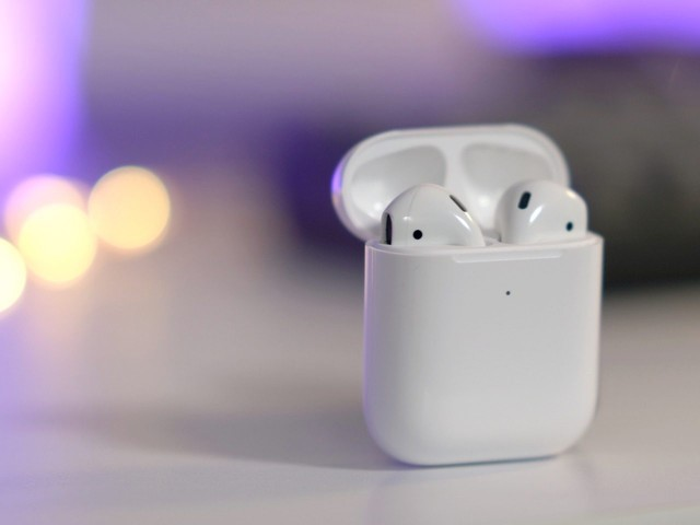 Latest AirPods on sale from $130, plus a new low on Apple Watch Series 4 GPS and more
