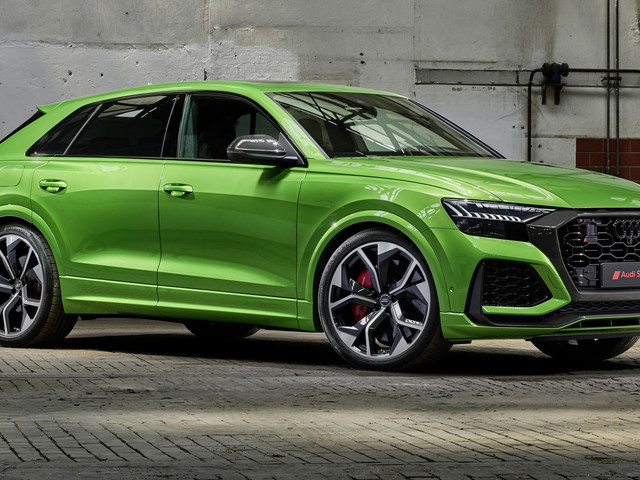 Doing Over 300km/h (188 Mph) On Public Roads In An Audi RS Q8 Takes Guts