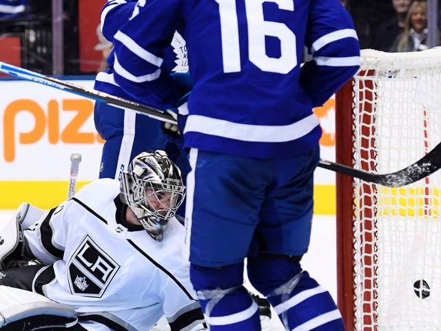 Maple Leafs beat Kings 4-1 for 5th straight win