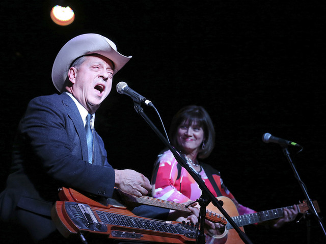 Junior Brown gets a temporary 'guit-steel' fix for Texas shows