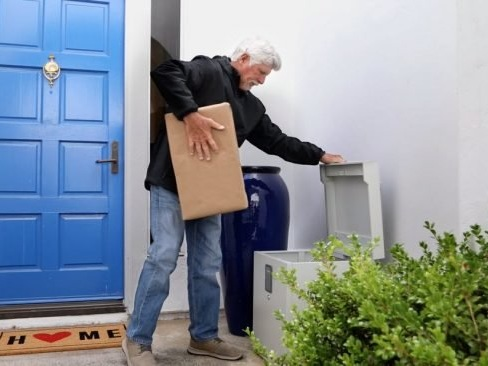 Bob Vila's $3,000 Gift Solutions Giveaway with CleverMade