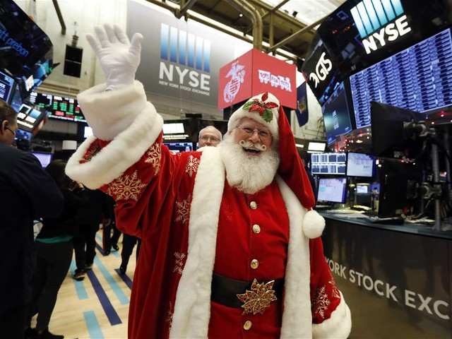 US Stocks End Wobbly Day Slightly Higher